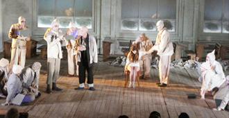 시비우국제연극제의 대표 공연, 라두 스캉카 극단의 〈파우스트〉