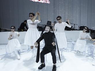 Lee, Heemoon Performing <Seonyuga>with Sorikkun (Sori artists)