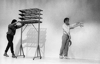 머스 커닝햄과 존 케이지 <대화(Dialogues)>공연모습ⓒWalker Art Center Archives