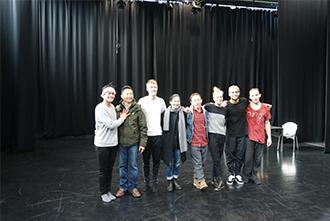 어퍼컷 댄스 시어터(Uppercut Dance Theater) 단원들과 ©KAMS