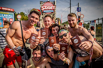 Spectators are granted passports to the Island of Freedom ©Sziget Festival